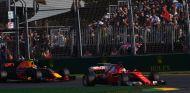 Ferrari pesionó a la FIA para que prohibiera la suspensión de Red Bull - SoyMotor