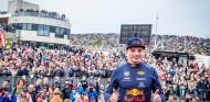 Verstappen desata pasiones en su exhibición en Zandvoort - SoyMotor.com