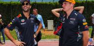 Ricciardo y Verstappen - SoyMotor.com