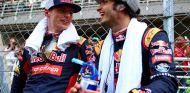 Max Verstappen y Carlos Sainz en la parrilla de Malasia - LaF1