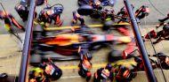 Max Verstappen con el RB14 en Barcelona - SoyMotor.com