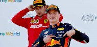 Max Verstappen y Charles Leclerc en el podio del GP de Austria F1 2019 - SoyMotor.com