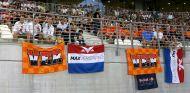 Aficionados holandeses en Yas Marina - SoyMotor.com