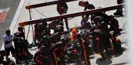 Parada en boxes de Verstappen en China– SoyMotor.com