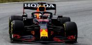 Red Bull utilizará un alerón trasero diferente en Bakú - SoyMotor.com