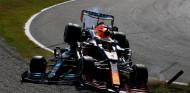 """Ricciardo: """"Verstappen habría ayudado a Hamilton si hubiera estado herido"""" - SoyMotor.com"""