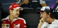 """Vettel: """"Cuando Alonso dejo Ferrari, estaba más lejos de la cima que en 2016"""" - SoyMotor"""