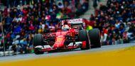 Sebastian Vettel con el SF15-T durante la clasificación en el Red Bull Ring - LaF1