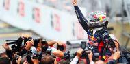 Vettel celebra su tercer título en el GP de Brasil 2012 - LaF1