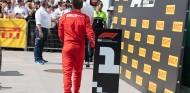 Vettel mostró en Canadá que no quiere retirada, según su diseñador de cascos - SoyMotor.com
