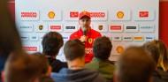"""Vettel agradece el apoyo de Hamilton: """"Parece que es el único que ve más allá"""" - SoyMotor.com"""