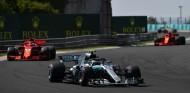 Sebastian Vettel persigue a Valtteri Bottas en Hungría - SoyMotor.com