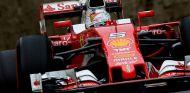 Sebastian Vettel con el Ferrari SF16-H - LaF1