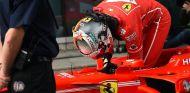 Sebastian Vettel en el parc fermé de Shanghai - SoyMotor