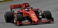 Sebastian Vettel con el Ferrari SF90 - SoyMotor