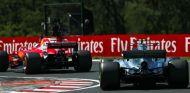 Vettel, perseguido por Bottas durante un GP esta temporada - SoyMotor.com