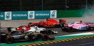 Trompo de Vettel tras la salida del GP de Italia 2018 - SoyMotor.com