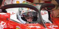 Sebastian Vettel, en el SF16-H con el halo en Silverstone - SoyMotor.com