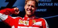 Sebastian Vettel en el podio de Hungría - LaF1.es