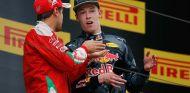 Sebastian Vettel y Daniil Kvyat en China - SoyMotor.com