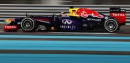Sebastian Vettel con el Red Bull RB9 - LaF1