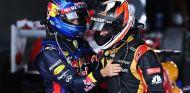 Sebastian Vettel felicita al ganador del GP de Australia, Kimi Räikkönen - LaF1