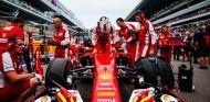 Saben que ganar el título con Vettel es una quimera y por eso en Ferrari ya trabajan en el futuro - LaF1