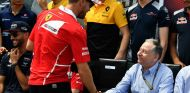 Vettel y Jean Todt durante el GP de Mónaco F1 2017 - SoyMotor.com