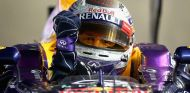 Sebastian Vettel celebra su victoria en Singapur en el RB9 - LaF1
