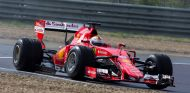 Vettel en un test de Pirelli en Fiorano - SoyMotor