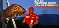 Vettel confirma que Ferrari nunca le ofreció renovar para 2021 - SoyMotor.com