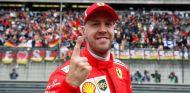 Sebastian Vettel celebra su Pole en Shanghái – SoyMotor.com