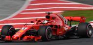 Sebastian Vettel, con el neumático hiperblando – SoyMotor.com