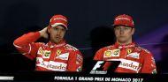 Sebastian Vettel (izq.) y Kimi Räikkönen (der.) – SoyMotor.com