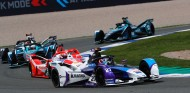 Dennis lidera la carrera en Valencia - SoyMotor.com