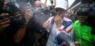 Hamilton durante la celebración con Mercedes de su cuarto Mundial - SoyMotor.com