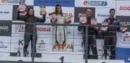 Amalia Vinyes y Alba Cano firman un doblete femenino en Los Arcos - SoyMotor.com