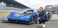 Nico Rosberg con el Volkswagen ID.R - SoyMotor.com