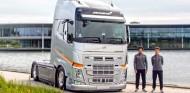 Volvo proporcionará camiones a McLaren dos años más - SoyMotor.com