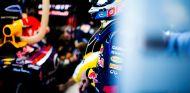 Sebastian Vettel en el box de Red Bull en Australia - LaF1