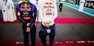 Daniel Ricciardo y Sebastian Vettel en Abu Dabi - LaF1
