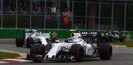 Valtteri Bottas por delante de Felipe Masa en Canadá -  LaF1