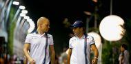 Los dos pilotos de Williams, en la noche de Singapur - LaF1
