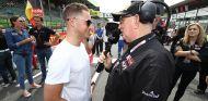Watson entrevista a Vandoorne en la cita de Zolder de las Blancpain GT Series - SoyMotor
