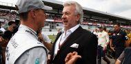 Michael Schumacher y Willi Weber en una imagen de archivo - LaF1