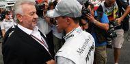 Willi Weber junto a Schumacher en 2010 - SoyMotor