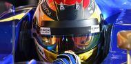 Wehrlein tapa el logo de Mercedes para evitar tensión en Ferrari - SoyMotor.com