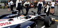 Pastor Maldonado en la parrilla de Monza - LaF1