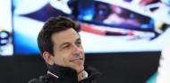 """Wolff anima a sus rivales a """"protestar"""" contra Mercedes por el 'caso Racing Point' - SoyMotor.com"""