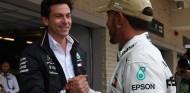 Hamilton está abierto a correr en Fórmula E en el futuro, según Wolff - SoyMotor.com